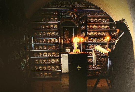 196. В храме свв. Петра и Павла (до реставрации)