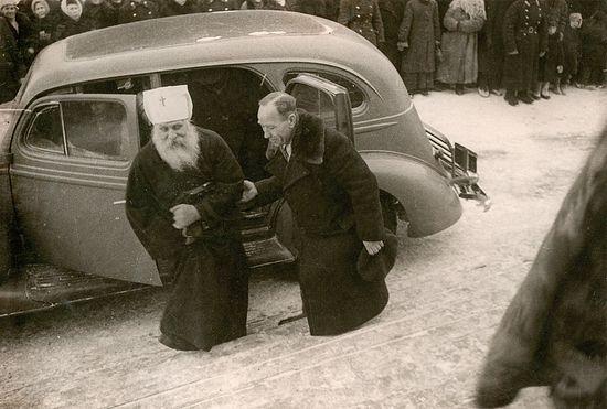 Прибытие митрополита Вениамина (Федченкова) на Поместный Собор 1945 г.
