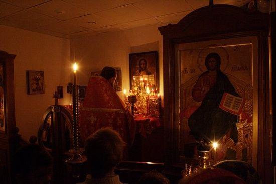 Божественная Литургия при свечах