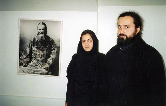 С православной монахиней ассирийкой г. Санкт-Петербург