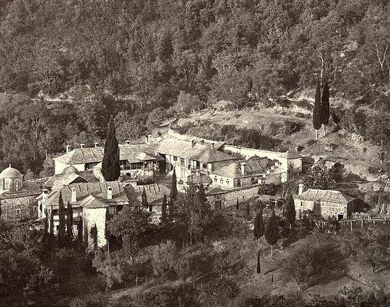 212. Ксилургу. Скит Богородицы. Фото 1875 г., по другим данным -- 1869 г. Из фотолаборатории Россикона (?)