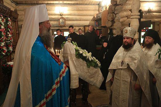Митрополит Кирилл в монастыре Ганина Яма