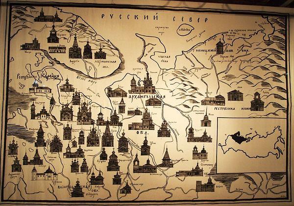 Посетителей встречает огромная карта, на которой отмечены еще сохранившиеся храмы и часовни