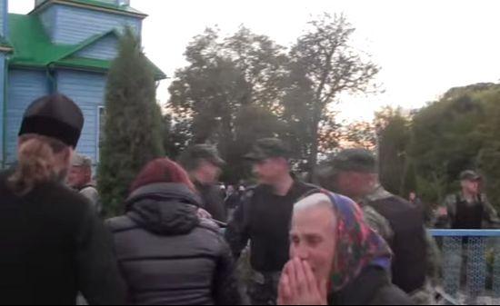 Катериновка, во время захвата храма. 21 сентября 2015 г.