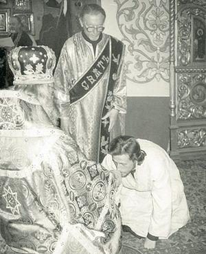 24 апреля 1988 года. Диаконскую хиротонию Михаила Беликова совершает владыка Пимен (Хмелевской)