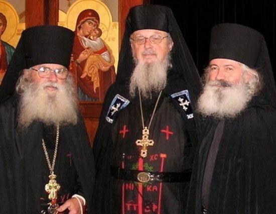 Ныне покойные схиархимандрит Дамиан и иеросхимонах Симеон, а также ставрофор-монах Игнатий.