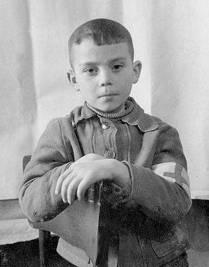 Алеша Солоницын, старший санитар по классу. 1948 или 1949 год