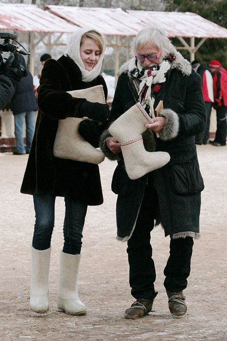 Пьер Ришар с валенком Сайкина