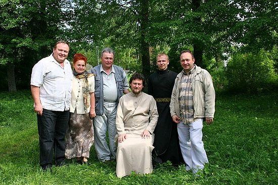Отец Алексий Сорокин, братья Сойкины и прихожане Преображенского храма в Спасоко-Куркино