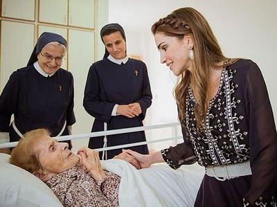Королева Иордании посетила основанный ею христианский лазарет