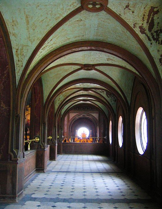 Vaulted rusty iron ceilings
