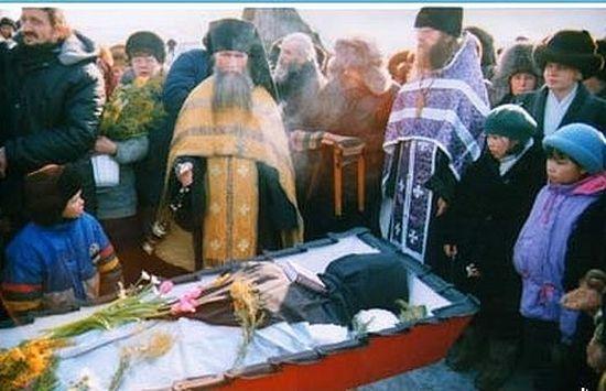 Отпевание о.Григория, 23 марта 2000 г.