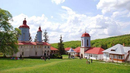 Монастырь Чолану