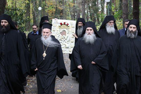 Митрополит Неврокопский Нафанаил с иконой «Достойно есть»