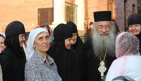 Архимандрит Иероним (Шурыгин) с народом