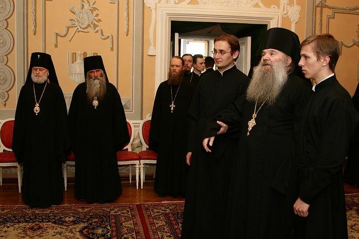 Архимандрит Матфей (Мормыль) на вручении церковного ордена