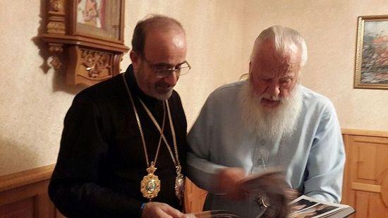 С митрополитом Агафангелом. Фото Центра «Христиане Ближнего Востока на Украине»