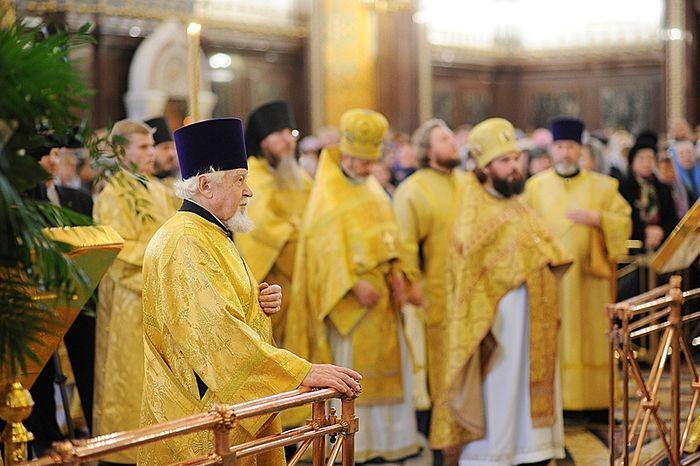 Патриаршее служение в Храме Христа Спасителя в день памяти святителя Филарета. 2 декабря 2011 г.
