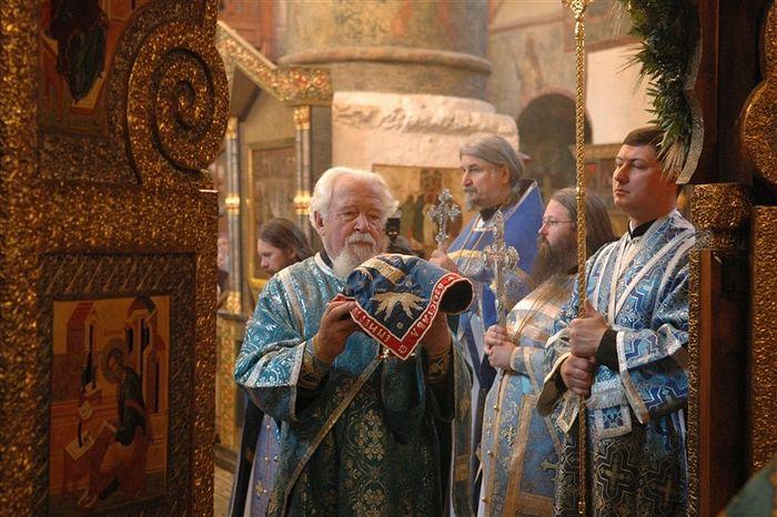 Патриаршее служение в Сретенском монастыре