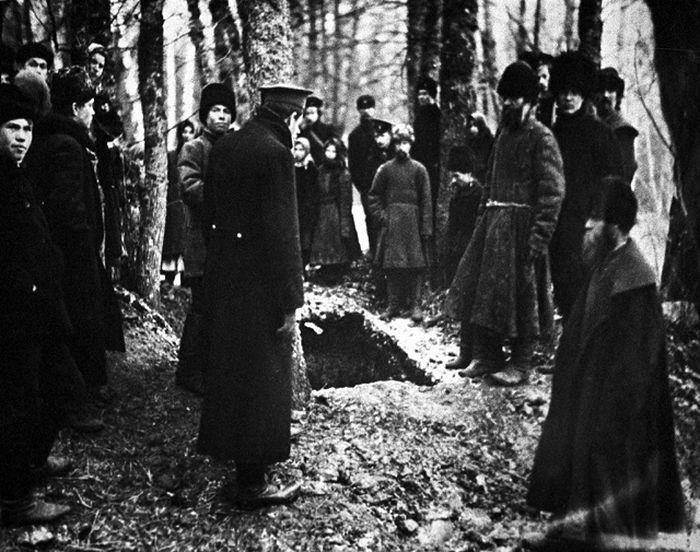 Похороны Льва Толстого. Ясная Поляна. 1910 год. Фото из архива РИА-Новости