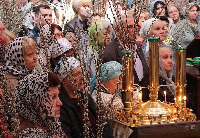 Русские бабушки встречают Христа. Верное воскресение, Душанбе, 5 апреля 2015 г.