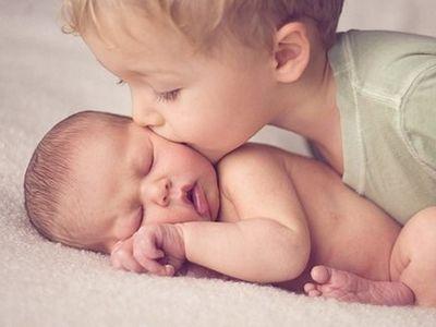 Подростки и младенцы