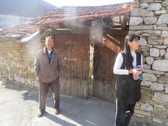 Супружницима Предрагу и Виолети Матић Албанци запалили кућу у Ораховцу