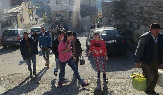 Млади из Ораховца одлазе по заврштеку школе у централну Србију