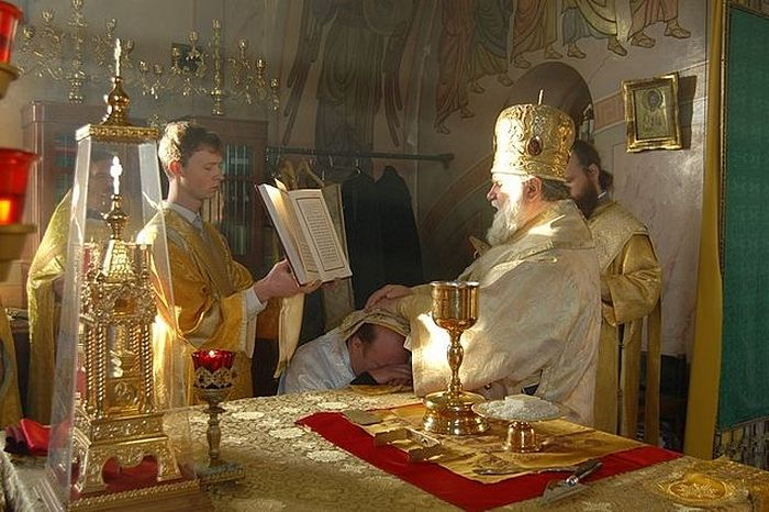 Former Protestant Igor Zyryanov is ordained into the deaconate, 2010.