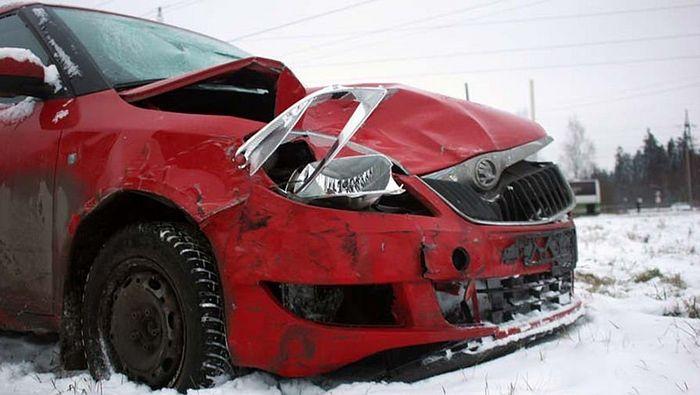Машина священника после аварии в Петрозаводске
