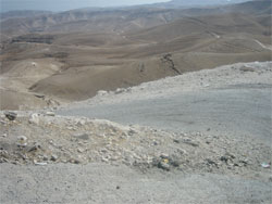 Дорога в пустыне к Великой Лавре