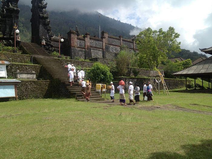 Храм Пура Пасар Агунг