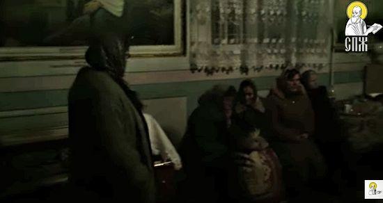 """В осажденном храме. Фото с видео """"Союза православных журналистов"""""""