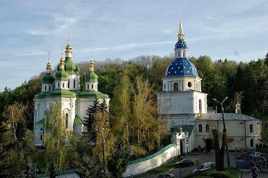 Выдубицкий монастырь был незаконно передан Филарету Денисенко бывшим премьером Украины Павлом Лазаренко.