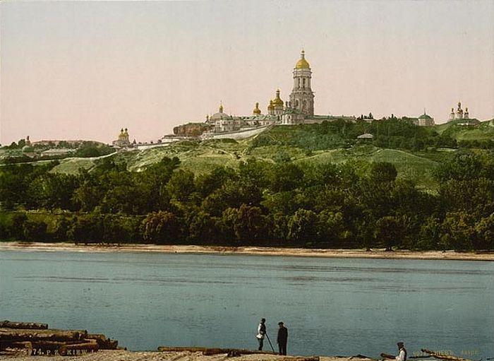 1900-е годы. Вид на Киево-Печерскую Лавру с Левого берега