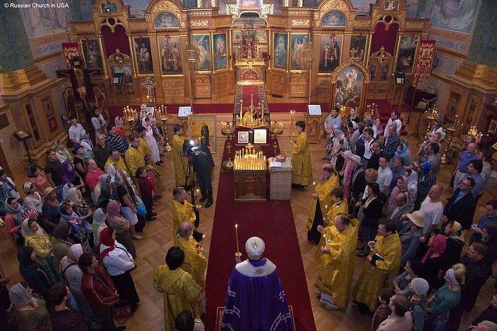 В православном храме Америки