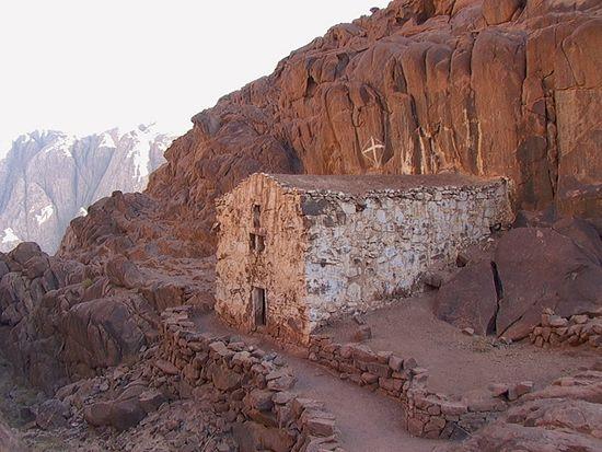 Среди камней Синайской пустыни расцвело немало цветов христианского духа