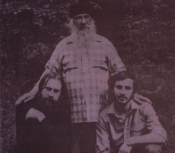 Слева направо: Валентин Гетя (ныне митрополит Мурманский Симон), архимандрит Павел (Груздев) и Павел Недосекин (ныне протоиерей)
