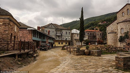 """Picturesque streets of Karyes""."
