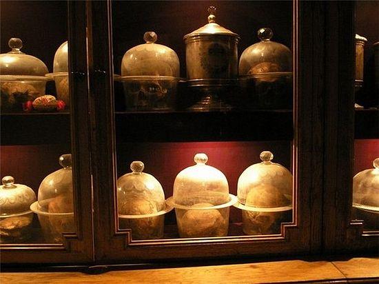 Myrrh-streaming skulls in the Far Caves of the Kiev Caves Lavra