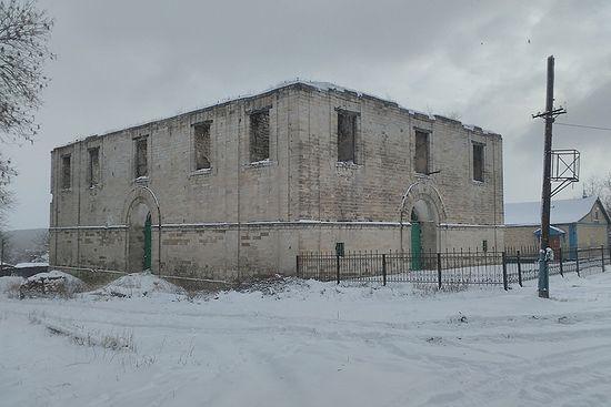 Покровский храм XIX века, разрушенный в советские годы. До войны планировалось его восстановление