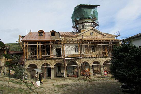 Восстановительные работы в древнерусской обители «Ксилургу». Фото С. Шумило, ноябрь 2015