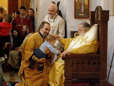 Крестниками Патриарха Илии II стали 659 детей (ВИДЕО)