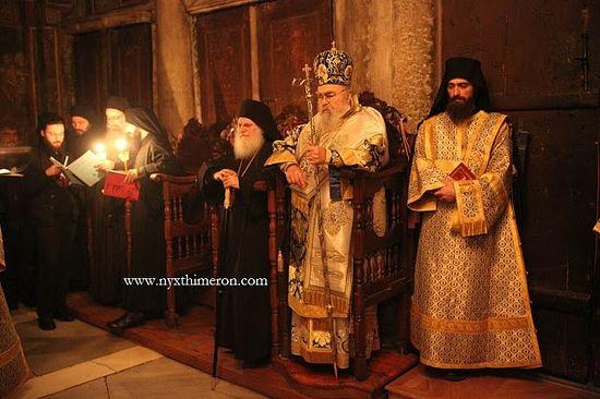 Владыки прибыли в Ватопед по приглашению игумена – архимандрита Ефрема.