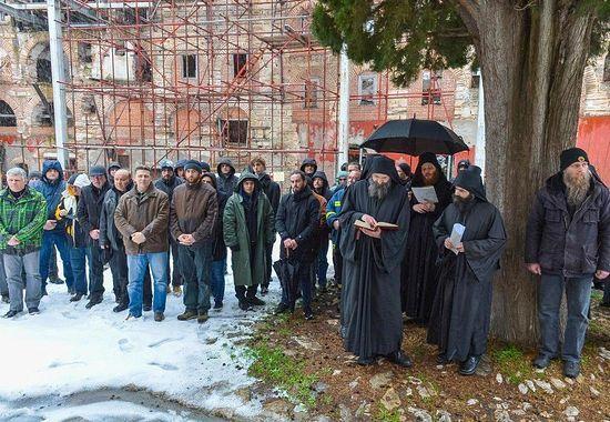 На Праздник приехали паломники из Сербии и других стран.