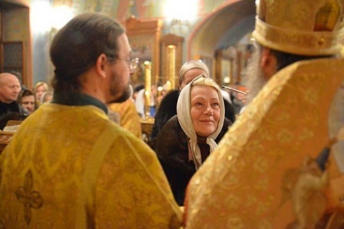 На службе в храме Покрова Пресвятой Богородицы в Ясенево