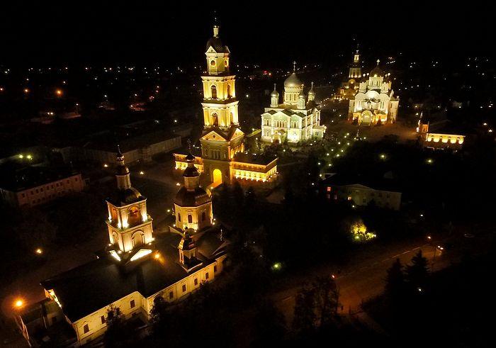 Серафимо-Дивеевский женский монастырь ночью