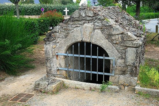 Holy Spring of St. Gildas in Saint-Gildas-de-Rhuys