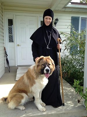 Игумения Емилиана и собака Лома