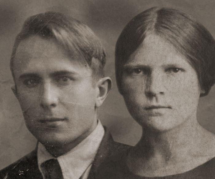 Дедушка Митрофан и бабушка Маруся